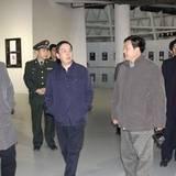 济南军区刘冬冬上将到山东工艺美术学院参观考察