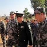成都军区司令员李世明看望慰问给水团官兵