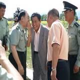 成都军区政委田修思中将参观一棵树观景园