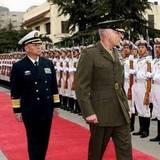 中国海军司令吴胜利同智利海军司令会晤