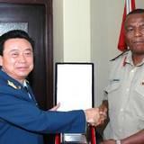 葡萄牙国防部长会见中国空军政委邓昌友