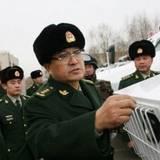 武警司令吳雙戰上將檢查大冬會安保情況