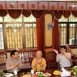 南京軍區政委陳國令上將一行視察江蘇常州天寧禪寺