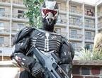 国外强人打造纳米战斗套服